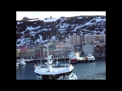 Hammerfest sett fra Hurtigruten ved kai