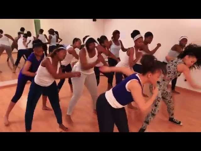 Essential Secrets To A Healthy Looking Skin with Thando Thabethe & NIVEA: Group Exercise