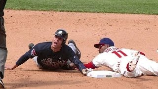 ATL@PHI: Phillies challenge call at second in 5th