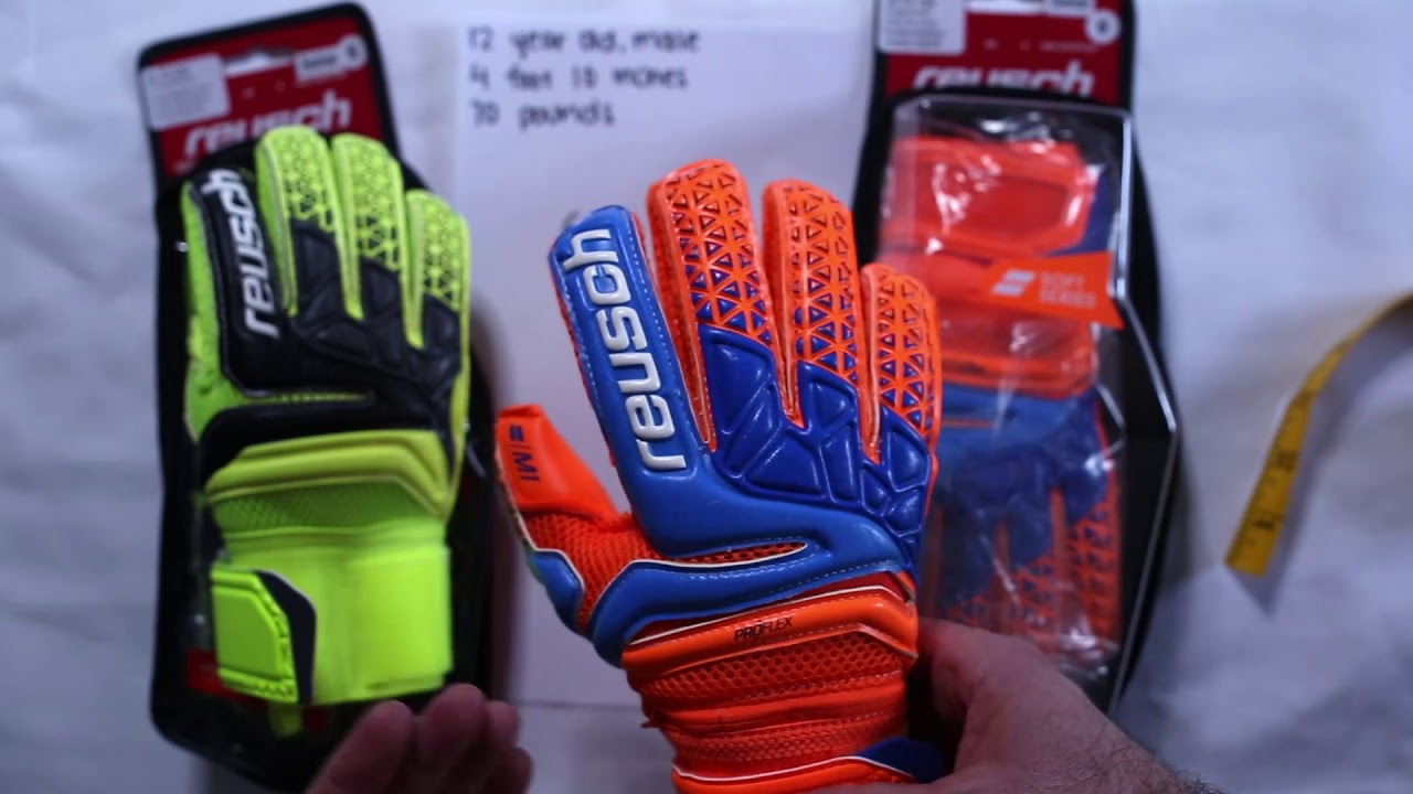 How To Size Youth Goalkeeper Gloves - YouTube 25d2dfad47e9
