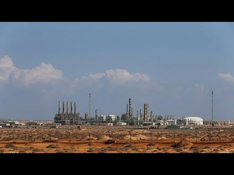 Fresh fighting erupts over control of Libyan oil ports