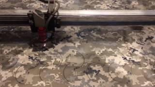 Перфорация ткани для маскировочной сетки