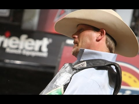Colby Yates battles Red Carpet (PBR)