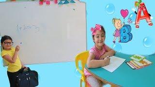 Masal Öğretmen Oldu Elif Öykü Öğrenci -  Kids Go To School Learn Colors with children