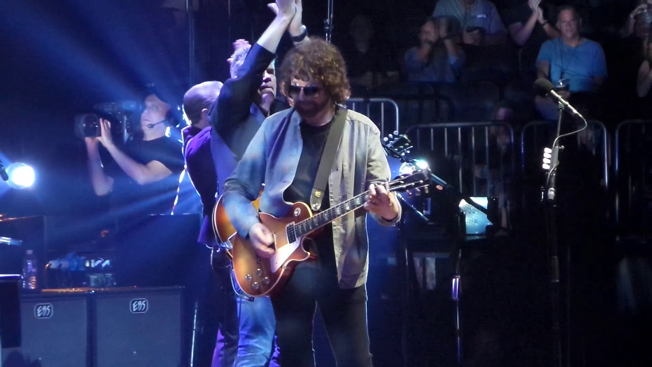 Jeff Lynne's ELO Lights Up the Garden: Review   Best Classic