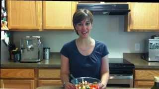 Easy Italian Tomato, Basil and Mozzarella Salad Recipe