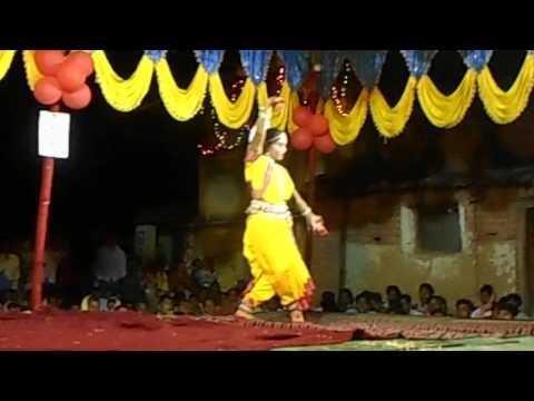 ghungura dia bandhi mo dui pade... Diwali Dance Dhamaka 2014 Bairakhpali