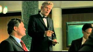 Zakenmannen in restaurant, uit de film Ober