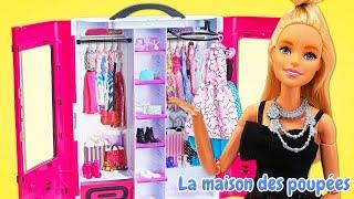 Barbie se prépare pour la promenade. Vidéos de poupées  pour enfants.