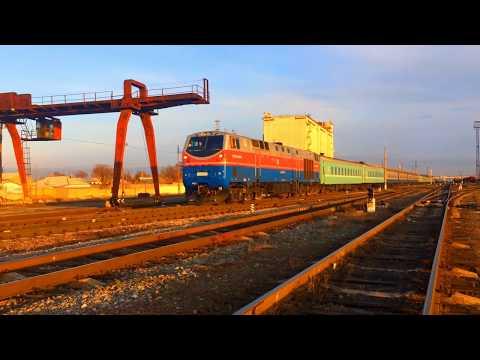 Тепловоз ТЭЗЗА-0093 с скорым поездом №77 Алматы-Мангистау