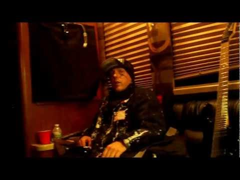 (hed)pe exclusive rare interview!!!! on the bus 30 min before stage