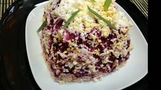 Салат из свеклы с сыром и чесноком.