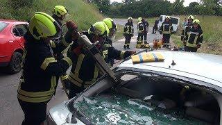 🚨 [Schwerer Verkehrsunfall] Großeinsatz für die Feuerwehr Triptis