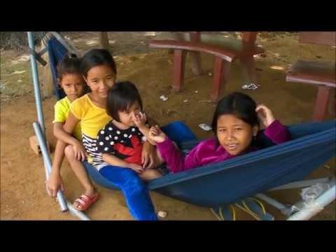 Croisière Mékong Cambodge 6/10/2015 Prek Dam Communauté Cham Claudette et Pierre Jolivet
