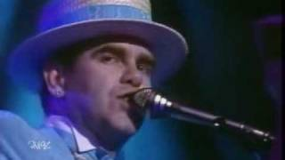 ELTON JOHN -  CANDLE IN THE WIND  (Original Version) LIVE.wmv