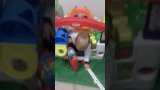 Видеообзор Волшебного домика от Little Tikes