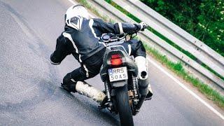 Honda CB500 - zejście na łokieć - elbow down.