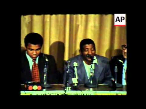 Muhammed Ali raring to go for the match with Floyd Paterson