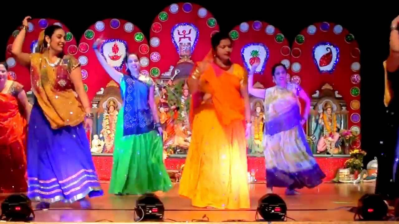 Navratri Garba Dance Performance!