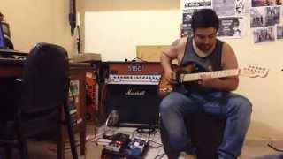 Un breve review de esta guitarrita que acabo de adquirir, suena y s...