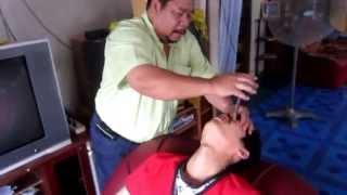 Repeat youtube video Orang Singapura berubat dengan Pak Teh (Bomoh Di R