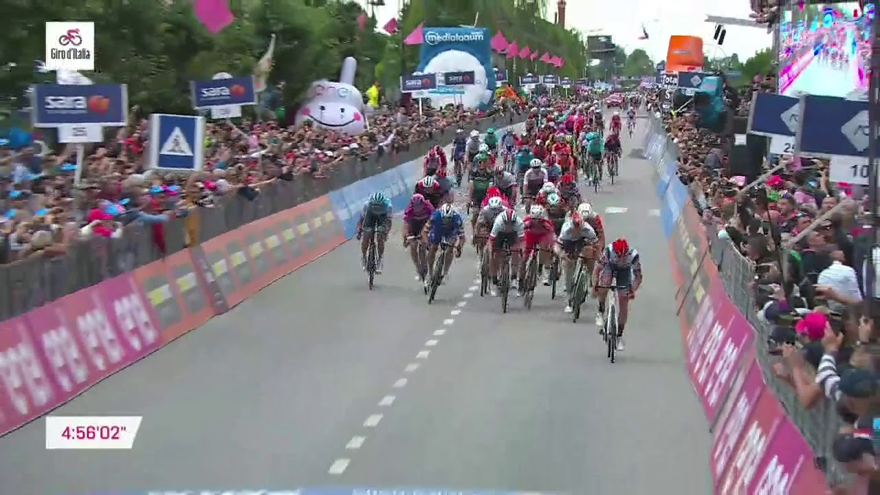 Giro d'Italia 2019 | Stage 18 | Last km - YouTube