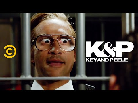 The Most Gullible Prison Guard Ever - Key & Peele - YouTube