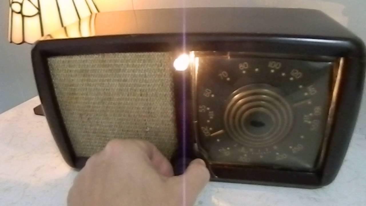 Art Deco 1946 Zenith Consoltone Radio - RARE Item
