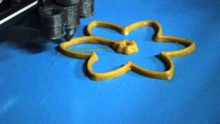 Candy 3D Printing A Peanut Butter Flower