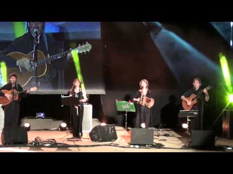 Bella Ciao - La Famiglia dei Gobbi canzone live