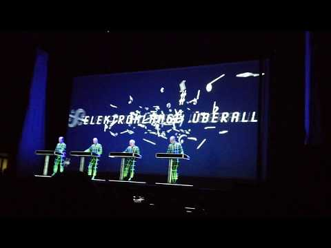 "Kraftwerk - ""Boing Boom Tschak, Technopop, Musique Non Stop"" Live, Dresden Albertinum 03.02.2018"
