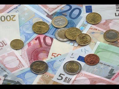 ยูโรโซนเผชิญภาวะเงินฝืดเป็นครั้งแรก