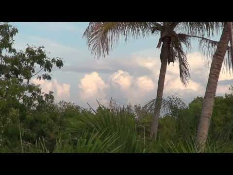 CHEM TRAILS MAGIC CLOUD MAKING MACHINES OVER KEY LARGO MAY 13TH 2013