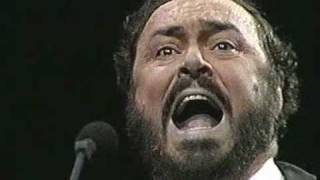 Luciano Pavarotti. 1987. La donna è mobile. Madison Square Garden. New York
