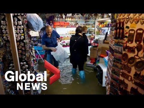 Venice Floods Can't Stop Tourists From Visiting Stores, Restaurants