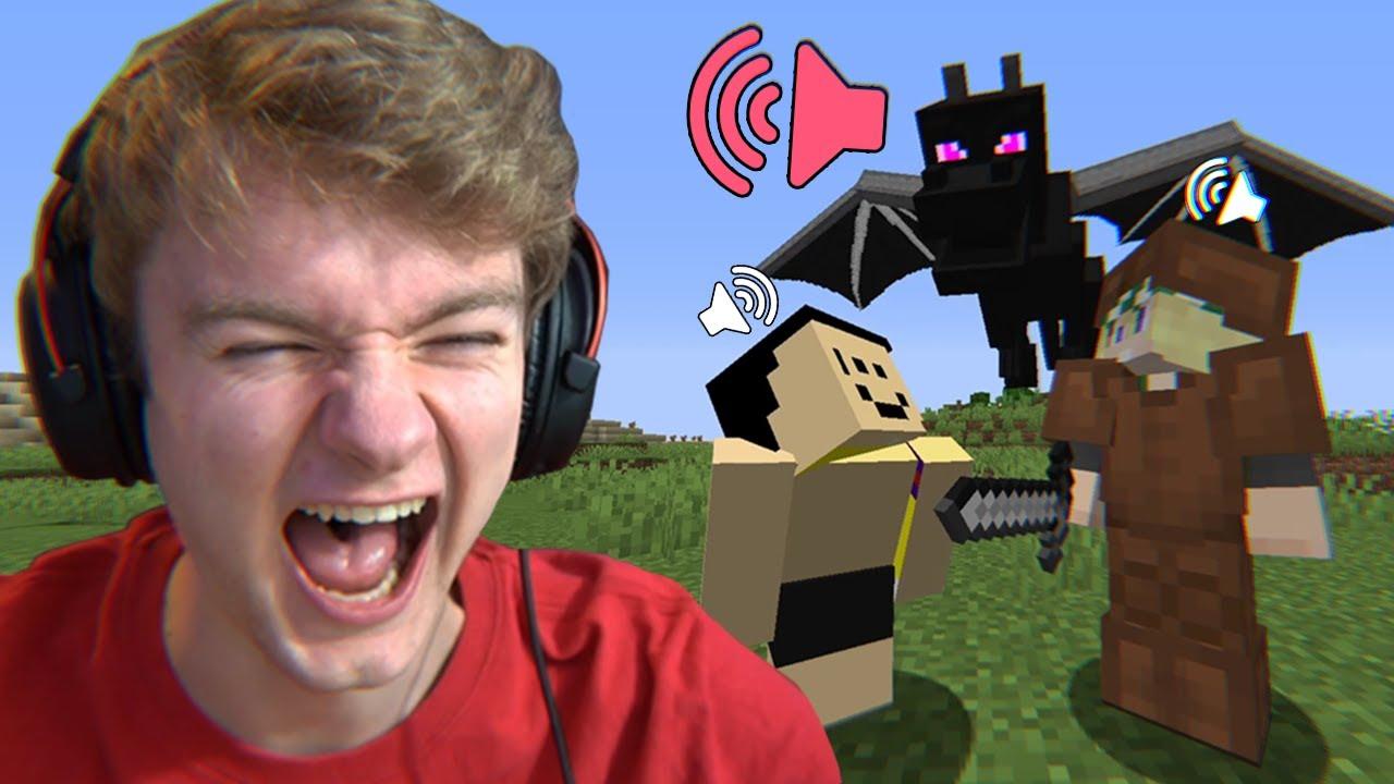 Minecraft, but I SECRETLY used MORPH MOD!