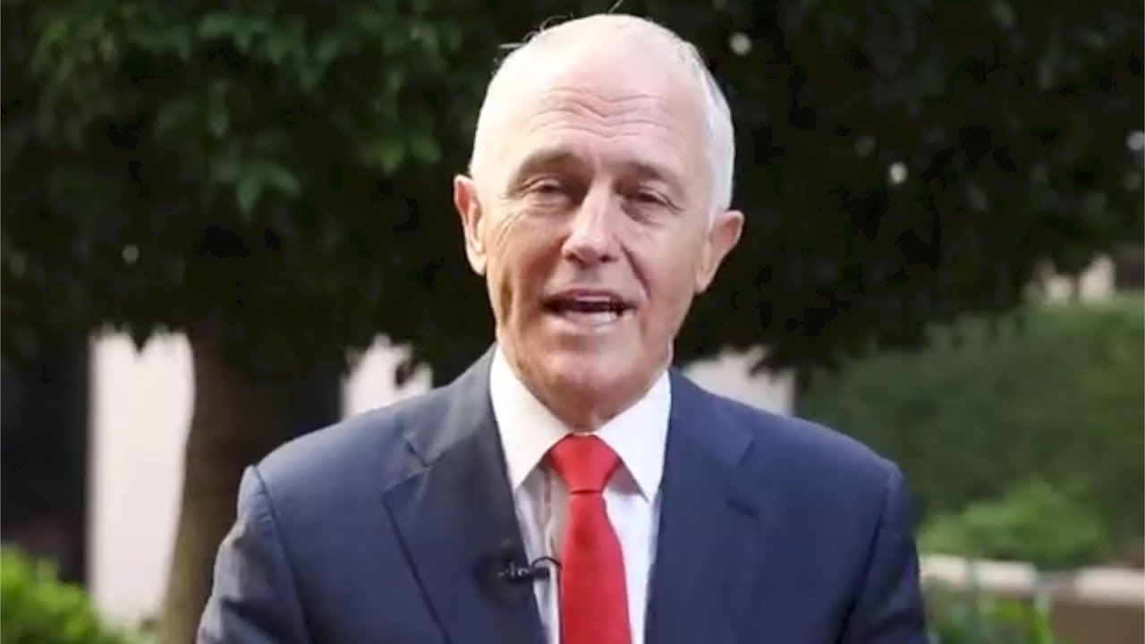 Australia Pm Malcolm Turnbull And Granddaughter Offer Chinese New
