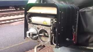 "VR class Sm3 ""Pendolino"" - The coupler cover closing"