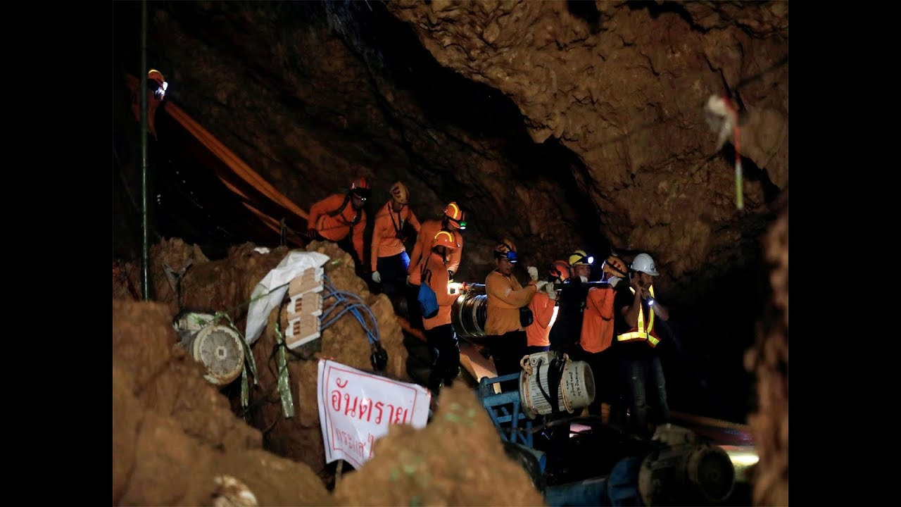 12 boys, their football coach rescued from Thai cave