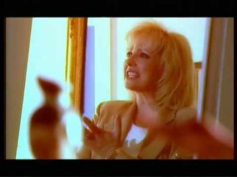 Ágata - Sozinha (Official Video)