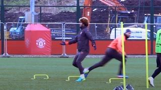 Marouane Fellaini Left Confused In Manchester United Training 😂