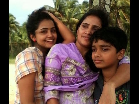 Actress Anupama Parameshwaran Family and Childhood Photos
