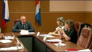 Профсоюзы, работодатели и администрация округа встретились за круглым столом