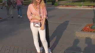 Смотреть видео Влог около стен кремля в москве в самом центре на александровском саду летом около охотки vlog днем онлайн