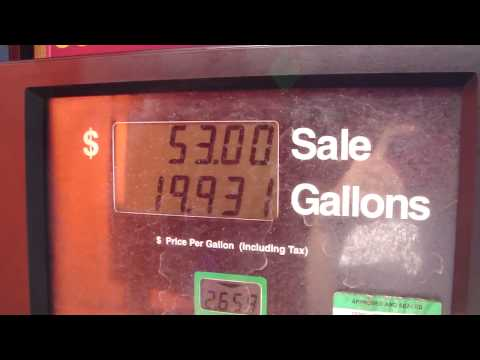 Filling up my Schneider Truck with Diesel Fuel (filling up a big truck!)