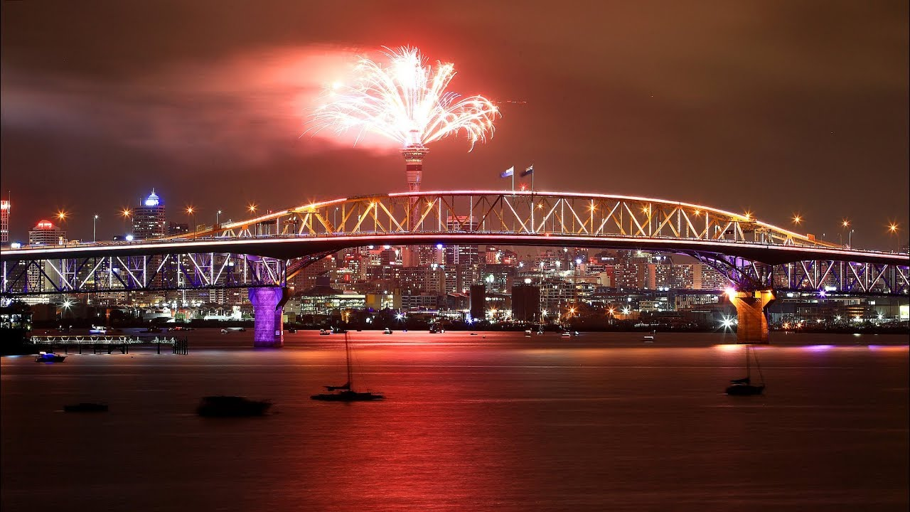 New Zealand welcomes 2019 with dynamic fireworks display
