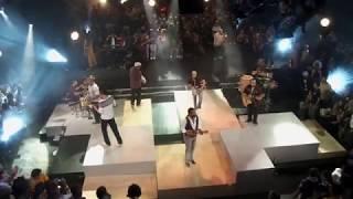Download Video Grupo Revelação - Ajoelhou Tem Que Rezar/Medo de Amar (Ao Vivo no Morro) MP3 3GP MP4