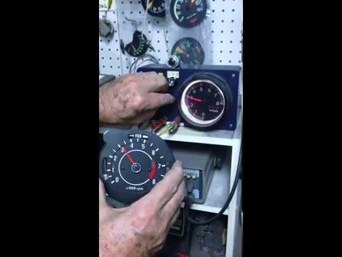 how to use a digital tacho