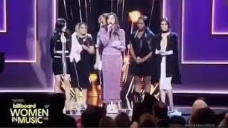 se me metio un Fifth Harmony en el ojo 😭