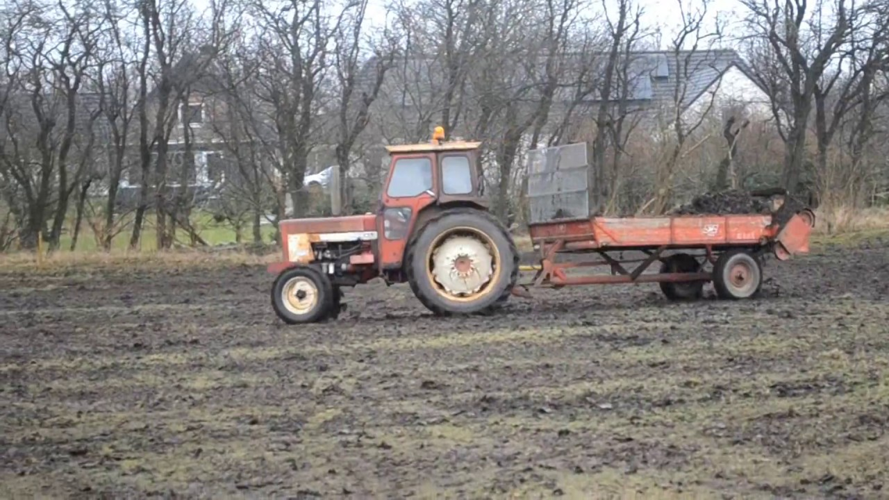 Working Manure Spreader : Ih and jf manure spreader youtube